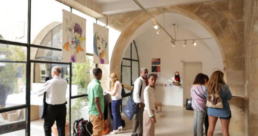 תערוכה בגלריה